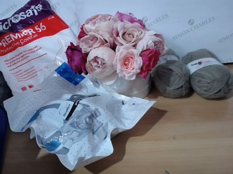 MEDIUM LOT OF ASSORTED HOUSEHOLD ITEMS TO INCLUDE: KNITCRAFT ACRYLIC THREAD, FAKE PEONIES BOX, MICROSAFE PREMIER 56 PROTECTIVE OVERALL AND RESMED MASK SYSTEM (M) ETC