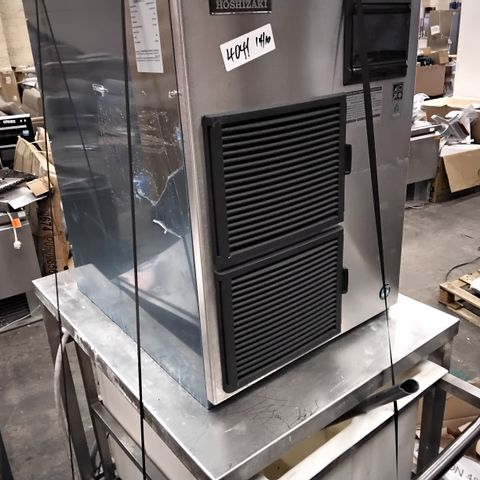 HOSHIZAKI COMMERCIAL FREESTANDING ICE MACHINE MODEL FM-480AKE ON STAND WITH TROLLEY