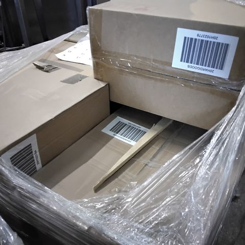 PALLET OF APPROXIMATELY 31 ASSORTED ITEMS TO INCLUDE A  BUNDLEBERRY BY AMANDA HOLDEN SET OF VINTAGE-STYLE TRUNKS AND A LUXURY MIRRORED TABLE LAMP