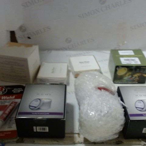 LOT OF ASSORTED HOUSEHOLD ITEMS TO INCLUDE; CANDLES, WAX MELTS ETC