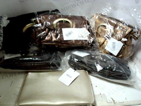 BOX OF A SIGNIFICANT QUANTITY OF ASSORTED HANDBAGS, CLUTCH BAGS ETC