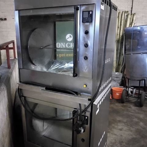 VANGUARD DOUBLE GRILL/ ROTTISERIE DISPLAY OVENS