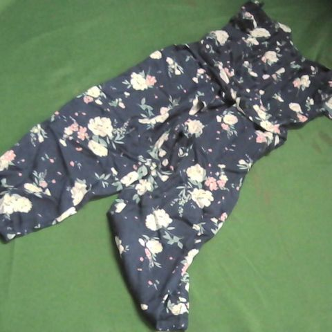 V BY VERY MINI BLUE FLORAL PLAY SUIT 2-3 YEAR