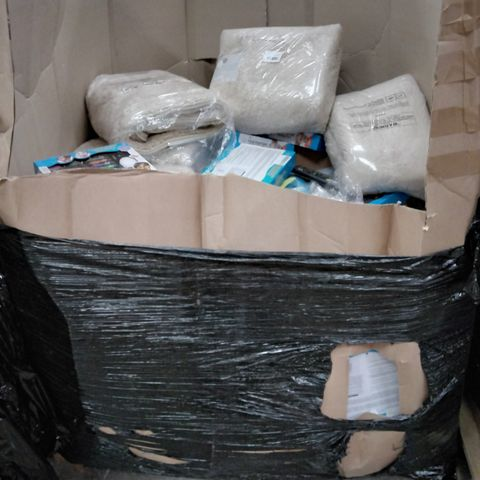 PALLET OF ASSORTED ITEMS INCLUDING CAT LITTER, BATHROOM MATS SETS, FACE PAINTING KITS, KIDS BUBBLE BATH,