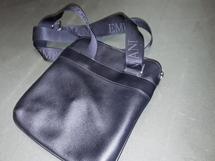 EMPORIO ARMANI STYLE BLACK LEATHER BAG