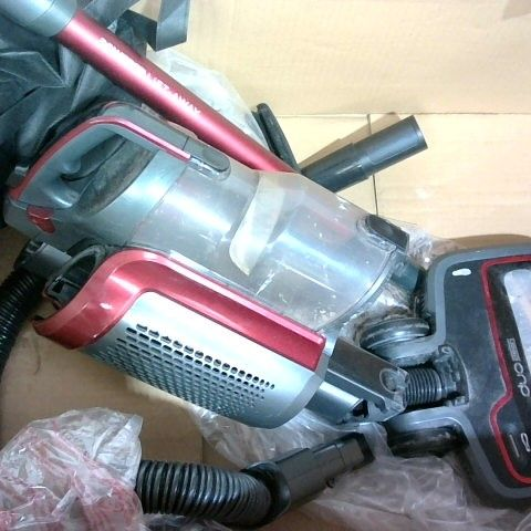 SHARK CORDLESS UPRIGHT WITH ANTI HAIR WEAP