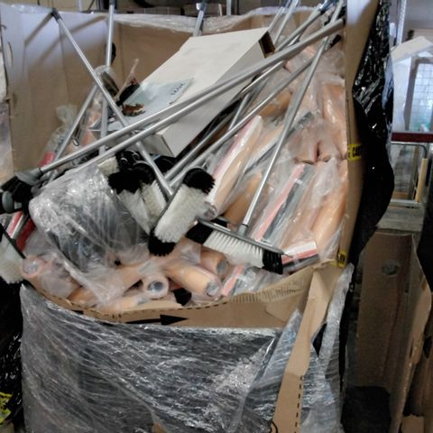 PALLET OF ASSORTED ITEMS INCLUDING FLOOR BRUSHES, ROLLS CRAFT PSPER, LAZY SUSAN TURNTABLES, TOILET SEATS.