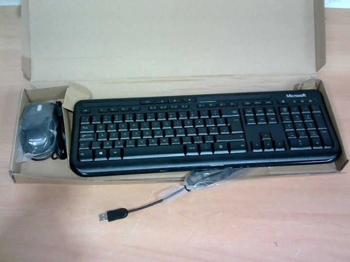 MICROSOFT WIRED KEYBOARD AND MOUSE