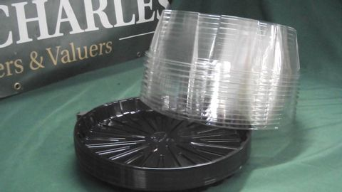 """15 X 10"""" PLASTIC CAKE BOXES WITH LIDS"""