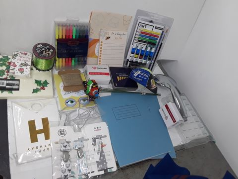 SMALL BOX OF ASSORTED HOMEWARE ITEMS TO INCLUDE PIL BOX, ART SUPPLIES, DOOR CHARM/ALARM