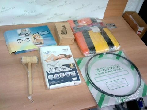 BOX OF A SIGNIFICANT QUANTITY OF ASSORTED HOUSEHOLD ITEMS TO INCLUDE DESIGNER MATTRESS PROTECTOR, EUROPA WELDED BANDSAW BLADE, DESIGNER MEAT HAMMER ETC