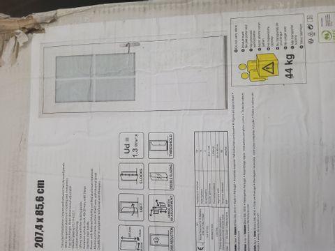 WHITE LAQUERED ALUMINIUMMOULDED COMPOSITE BACK DOOR 85.6 × 207.4cm