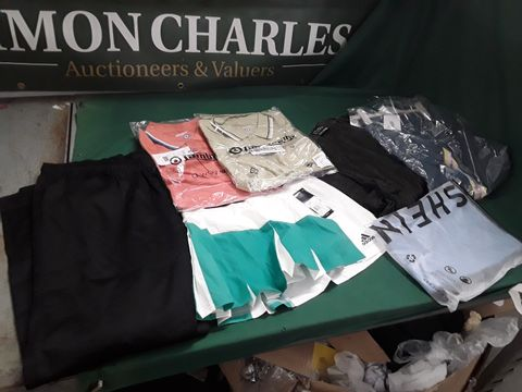 7 ASSORTED ITEMS OF CLOTHING TO INCLUDE: TWO LAMBRETTA POLO SHIRTS, ADIDAS SPORT SHIRT ETC