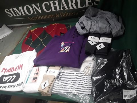 10 ASSORTED ITEMS OF CLOTHING TO INCLUDE: ZARA SHIRT, PRINGLE DOCKS, WOOLY JUMPER ETC