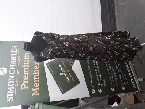 VANESSA COLLECTIONS DRESS SIZE M