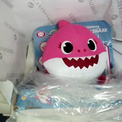 BABY SHARK DOODLE ME MOMMY SHARK WITH WASHABLE PENS
