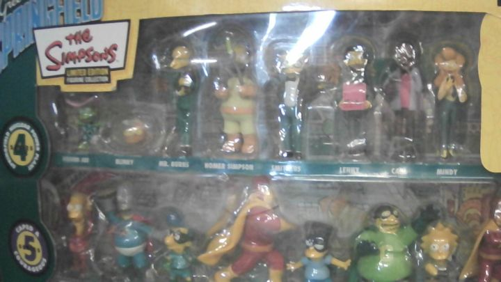 GREETINGS FORM SPRINGFIELD 25 PIECE COLLECTORS SET