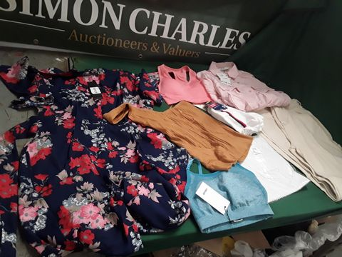 7 ASSORTED ITEMS OF CLOTHING TO INCLUDE: ZARA SHIRT, FLORAL DRESS ETC