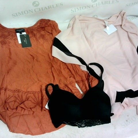 LOT OF APPROXIMATELY 3 CLOTHING ITEMS INCLUDING ANTHONY STUDIO LONG SLEEVE TOP - MEDIUM, MYNNE LAYERS MIX MEDIA PONCHO UK SIZE 2XL AND RHONDA MOULDED CUP BRA - SMALL