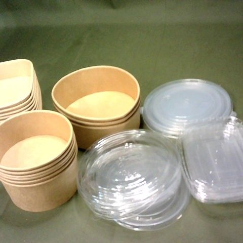 LOT OF ASSORTED FOOD STORAGE TUBS WITH LIDS