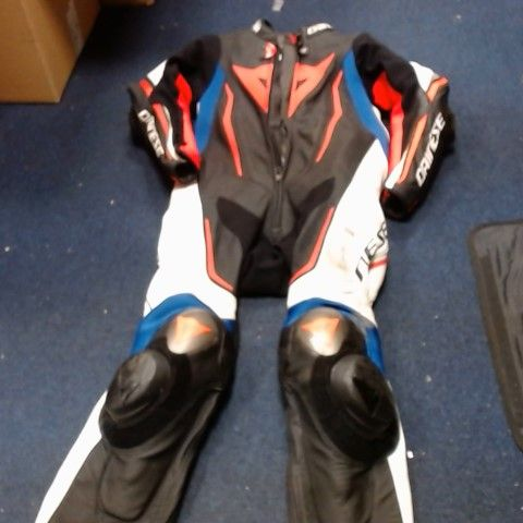 DAINESE FULL LEATHERS WITH ARMOUR SIZE EU 50