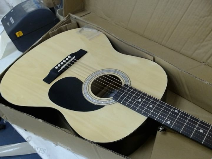 MARTIN SMITH PARLOUR ACOUSTIC GUITAR