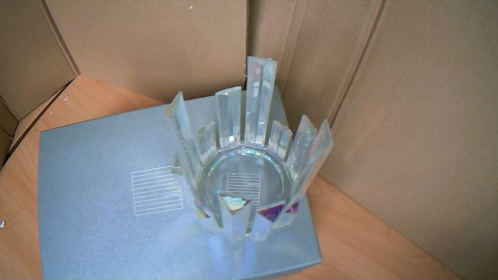 LUXENOA ICE SHARD CANDLE HOLDER ONE ONLY