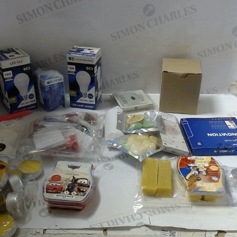 LOT OF ASSORTED HOUSEHOLD ITEMS TO INCLUDE; LIGHT BULBS, MAX WELTS, CANDLES ETC