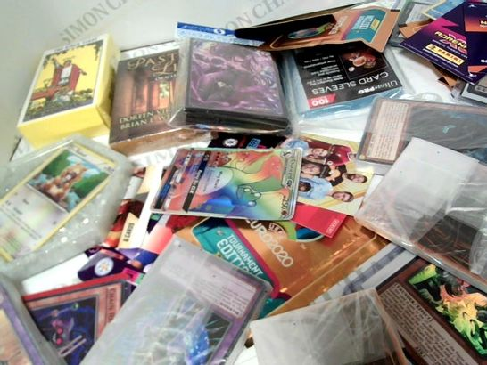 LOT OF APPROX 15 ASSORTED CARD ITEMS TO INCLUDE: ORACLE CARDS, TAROT CARDS, EURO 2020 CARDS