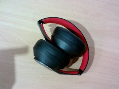 SUPER FQ HEAD PHONES, NOISE CANCELLING, OVER EAR BREATHABLE PROTEIN EARPADS
