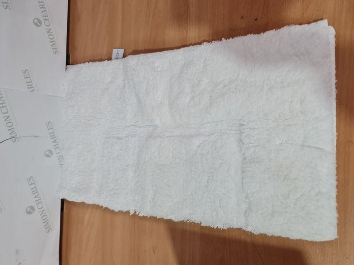 JOHN LEWIS 60X60CM DEEP PILE SHOWER MAT - WHITE