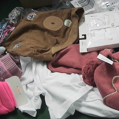 BOX OF ASSORTED GIRLS CLOTHING TO INCLUDE HAT, DRESS, VEST