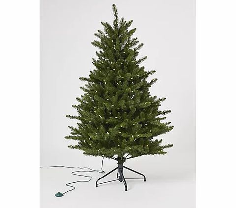 PALLET OF 6 ASSORTED BOXED SANTA'S BEST CHRISTMAS TREES