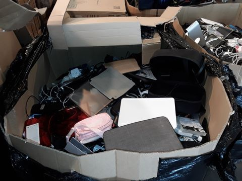 PALLET OF ASSORTED ITEMS TO INCLUDE: WII STEERING WHEEL, PLAYSTATION CONTROLLERS, DETATCHABLE KEYBOARD, TABLET CASES ETC