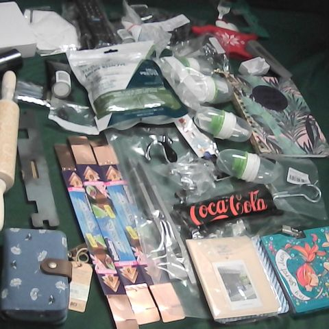 SMALL BOX OF ASSORTED ITEMS TO INCLUDE SLUG AND SNAIL BANDS, ROLLING PIN, TV REMOTE
