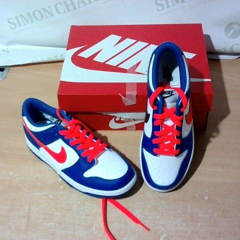 BOXED PAIR OF NIKE TRAINERS SIZE 4