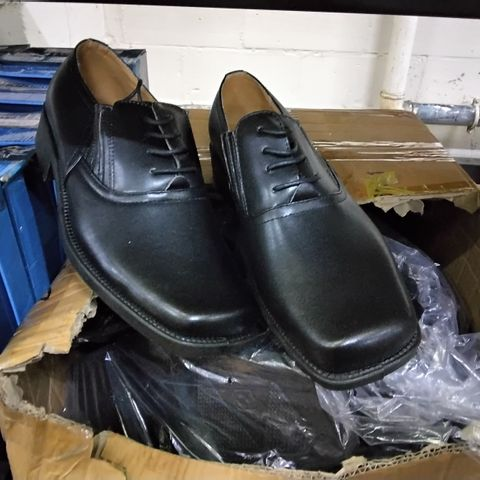BOX OF 7 PAIRS OF ASSORTED KAJMA MENS SHOES