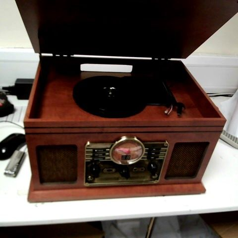 IBOX WALTERS TIMELESS COLLECTION RETRO TURNTABLE