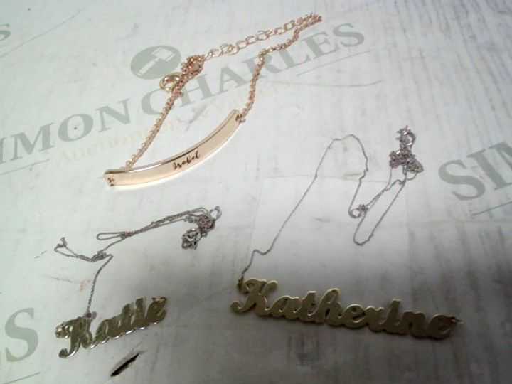 LOT OF APPROXIMATELY 3 PERSONALISED JEWELLERY ITEMS, TO INCLUDE ROSE GOLD/SILVER TONE BRACELET & 9CT WHITE GOLD SCRIPT NECKLACES