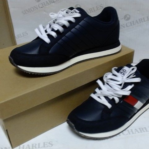 TOMMY HILFIGER TRAINERS UK SIZE 6