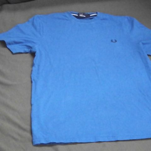 FRED PERRY T-SHIRT BLUE YOUTH LARGE
