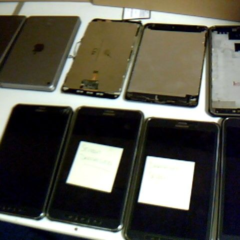 ASSORTMENT OF TABLET PARTS TO INCLUDE SAMSUNG AND IPAD FROM APPROX 12 DEVICES