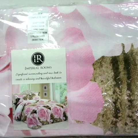 IMPERIAL ROOMS DOUBLE DUVET COMPLETE SET - ROSES/GREENERY