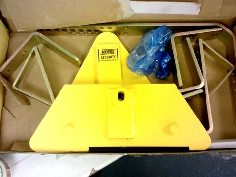 MAYPOLE STRONGHOLD 5435C WHEEL CLAMP 14X16 INCH