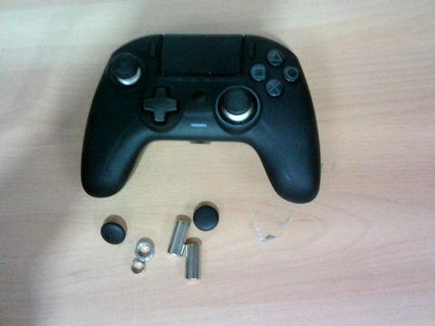 NACON PS4 REVOLUTION CONTROLLER