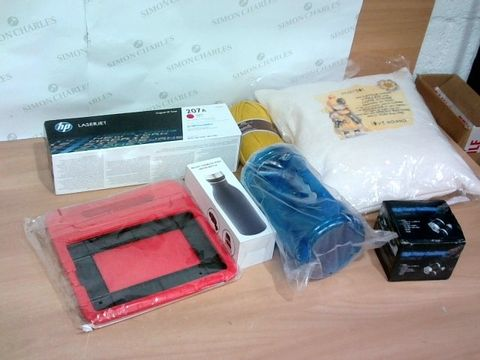 BOX OF A SIGNIFICANT QUANTITY OF ASSORTED HOUSEHOLD ITEMS TO INCLUDE HP PRINTER CARTRIDGE, DESIGNER KIDS TABLET COVER, DESIGNER HEAD TORCH ETC