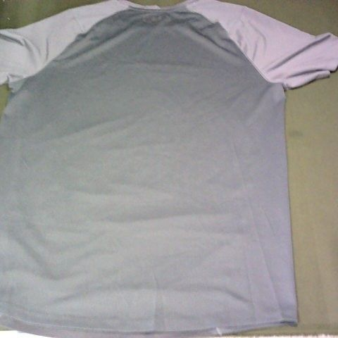 UNDER ARMOUR TSHIRT SIZE M
