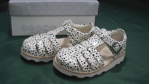 CLARKS AIR SPRING POLKADOT CHILDS SHOES UK CHILDREN'S SIZE 7