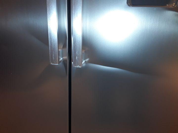 SWAN SR70111S 90CM AMERICAN-STYLE DOUBLE DOOR FROST-FREE FRIDGE FREEZER WITH WATER DISPENSER - SILVER