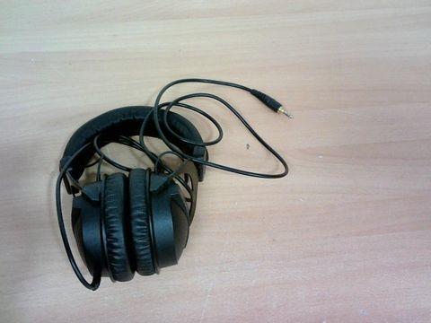 BEYERDYNAMIC DT 770 PRO OVEREAR HEADPHONES